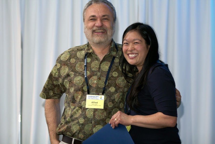 Prof Alfred Kobsa with Best Dissertation Award winner alumnae Xinru Page.