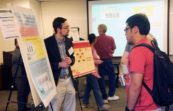 Ph.D. student Bart Knijnenburg presents poster on personalization and privacy at Forum Open House